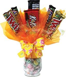 "5.5"" Hurricane Vase Candy Bar Bouquet"